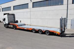 Semirimorchio per il trasporto macchine operatrici e cose: 3 Assi - Accessoriato / Zincato