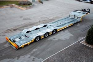 Semirimorchio per il Soccorso stradale e trasporto veicoli: 3 assi, allungabile con passerelle laterali e/o centrali ribassate