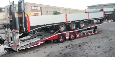 VENDUTO Semirimorchio bisarca trasporto trattori stradali Rolfo 2 assi usato anno 2005.
